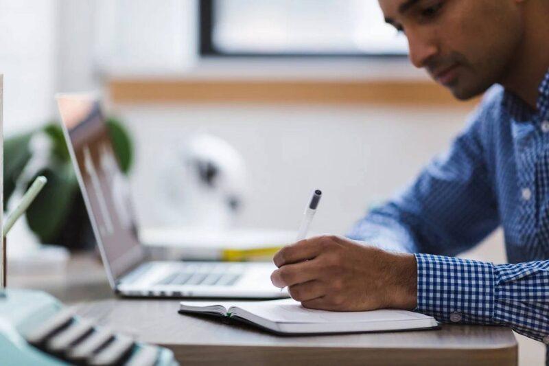 Themenbild 1 Newsletter 11: Hybride Arbeitswelten: Die wichtigsten Zahlen und Fakten zur Cybersicherheit
